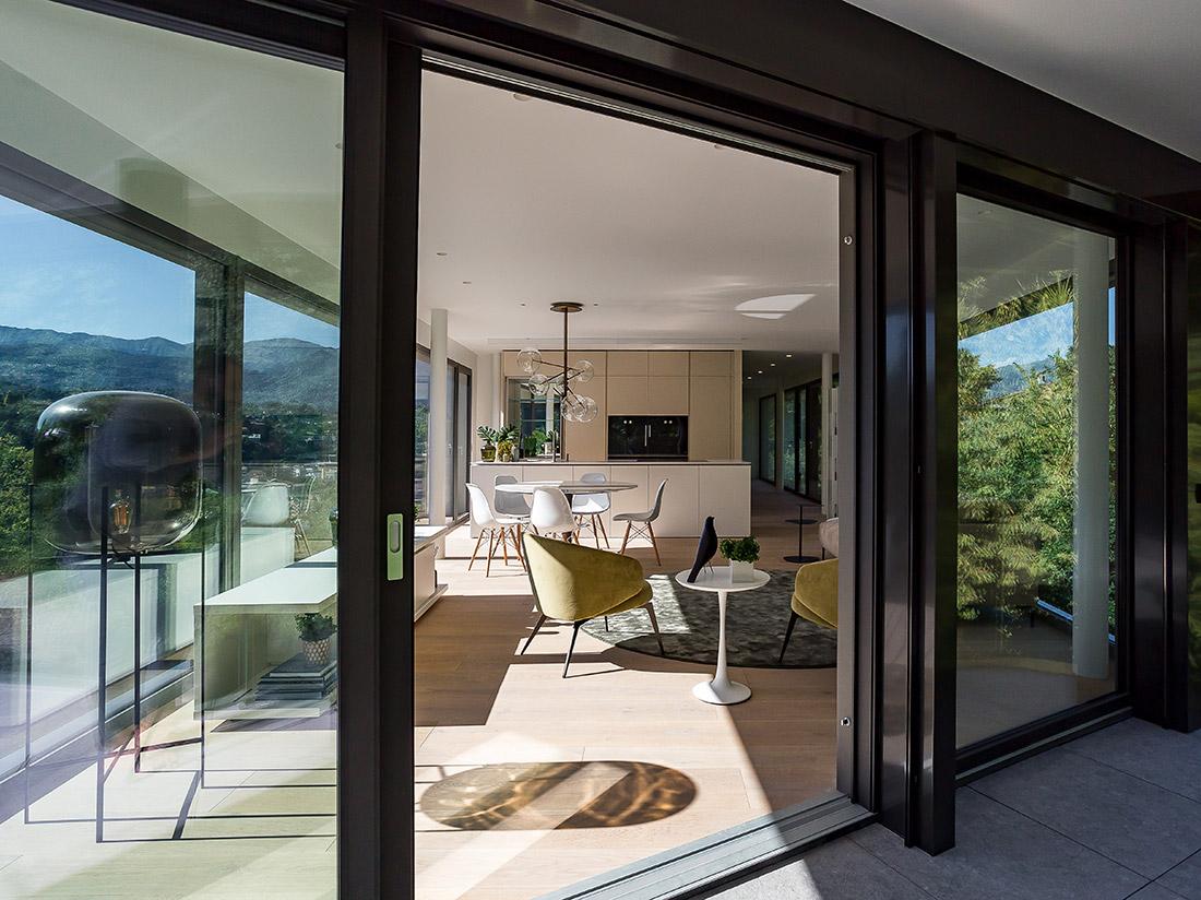 Immobili prestigio Lugano Ticino Svizzera vista da terrazza interno