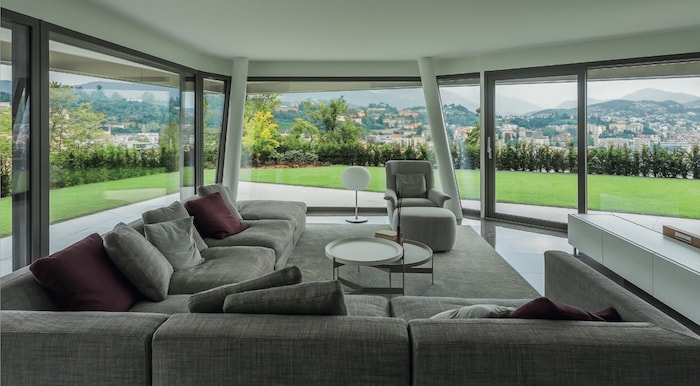 Salotti moderni di lusso consigli e ispirazioni foto for Arredamento lussuoso